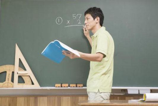 书之香:专职教师的优势